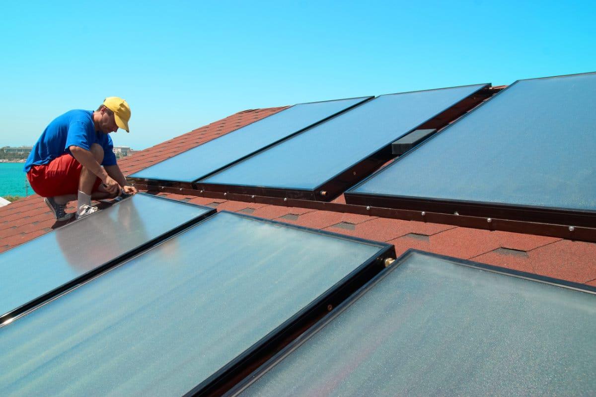 Voorbeeld plaatsing zonnecollectoren op dak